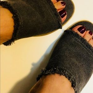 Shoes - Universal Thread Sandals